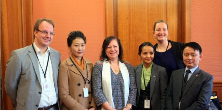 Nhyima Lhamo mit Vertretern der tibetischen Exilregierung, Tibet Initiative und International Campaign for Tibet