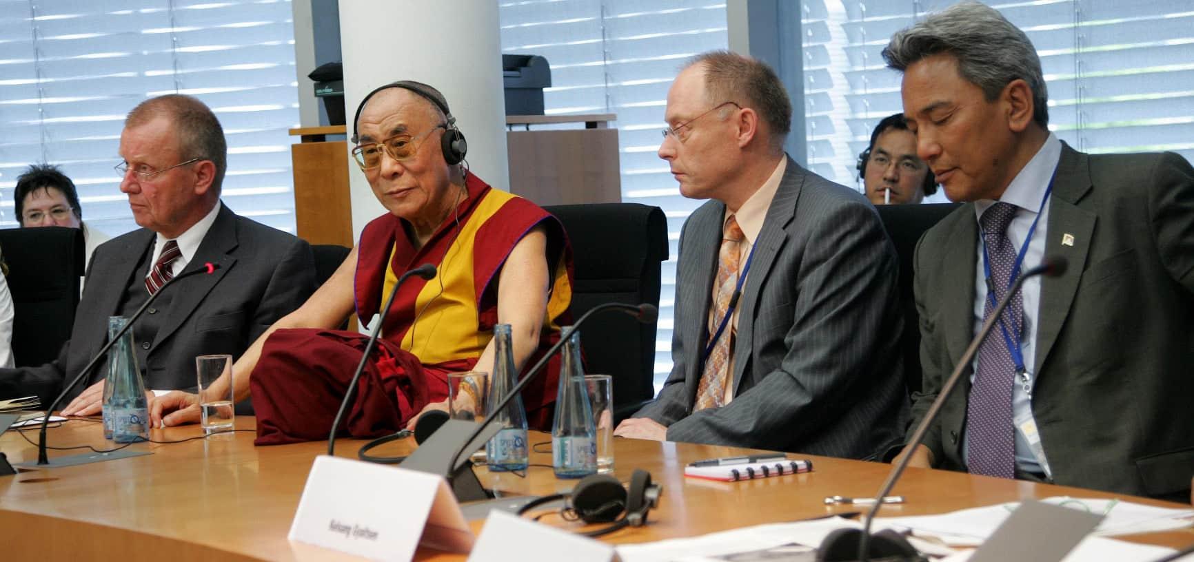 Dalai Lama Ausschuss 2008_(c) Guido Frebel