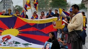 Mahnwache fuer Tenzin Delek Rinpoche Muenchen Tibet Initiative