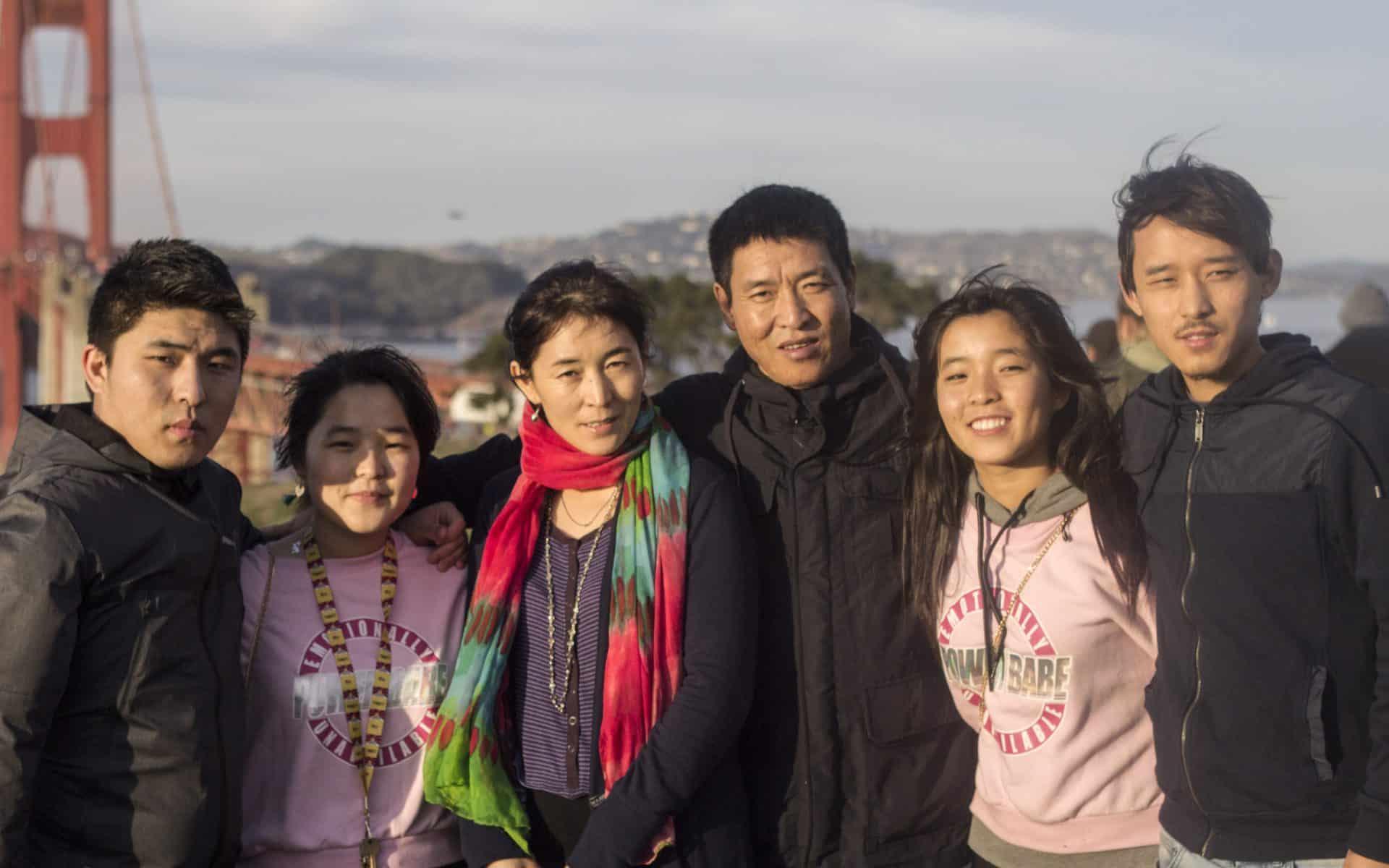 Dhondup Wangchen mit seiner Familie in den USA