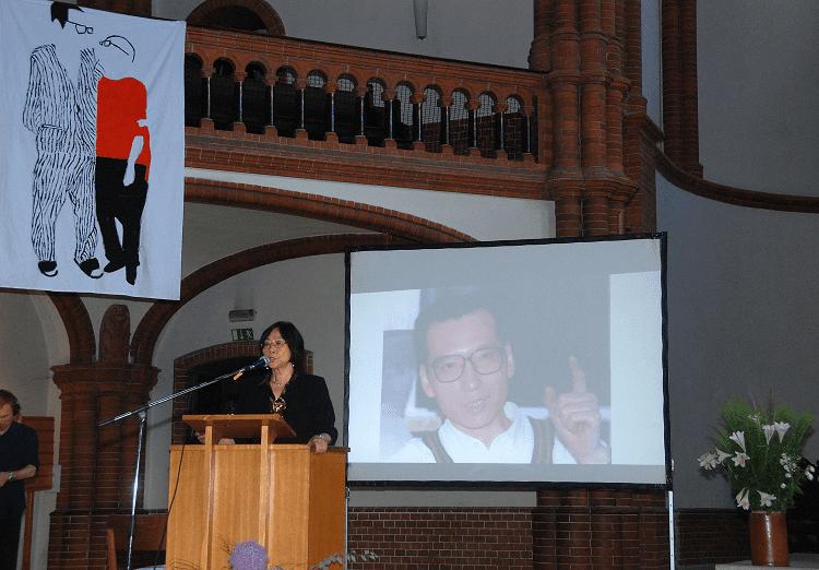 Tienchi Martin-Liao in der Gethsemane-Kirche in Berlin bei der Gedenkfeier für Liu Xiaobo. (c) Michael Leh
