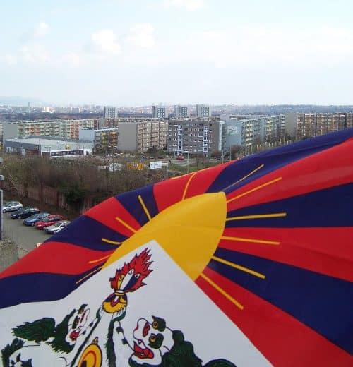 Dresden zeigt Flagge für Tibet 2019