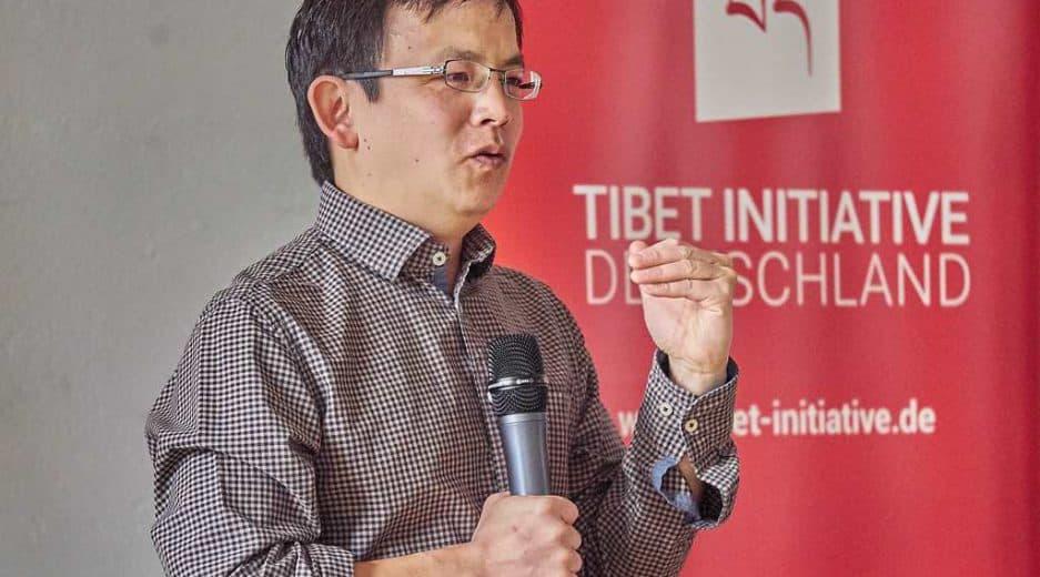 Journalist Felix Lee bei der Mitgliederversammlung der Tibet Initiative Deutschland e.V.