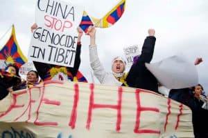 Mahnwache für tibetische Folteropfer @ Jannowitzbrücke - gegenüber der Chinesischen Botschaft